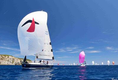 Yacht mit Rolly Tasker Segel in Frankreich