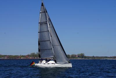 Yacht mit Rolly Tasker Segel in Deutschland