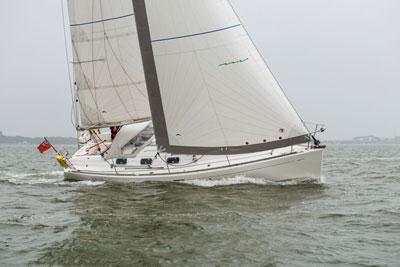 Yacht mit Rolly Tasker Segel in England
