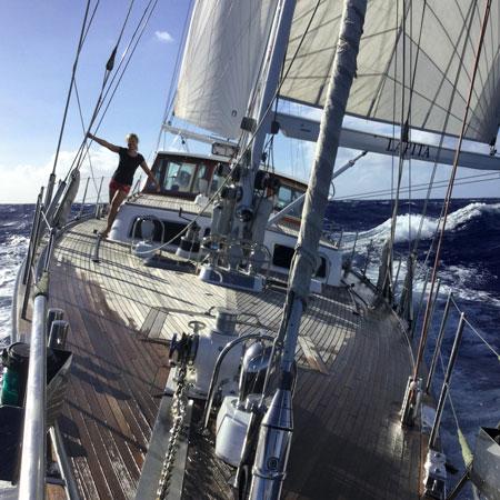 Bluewater cruising SY Lapita